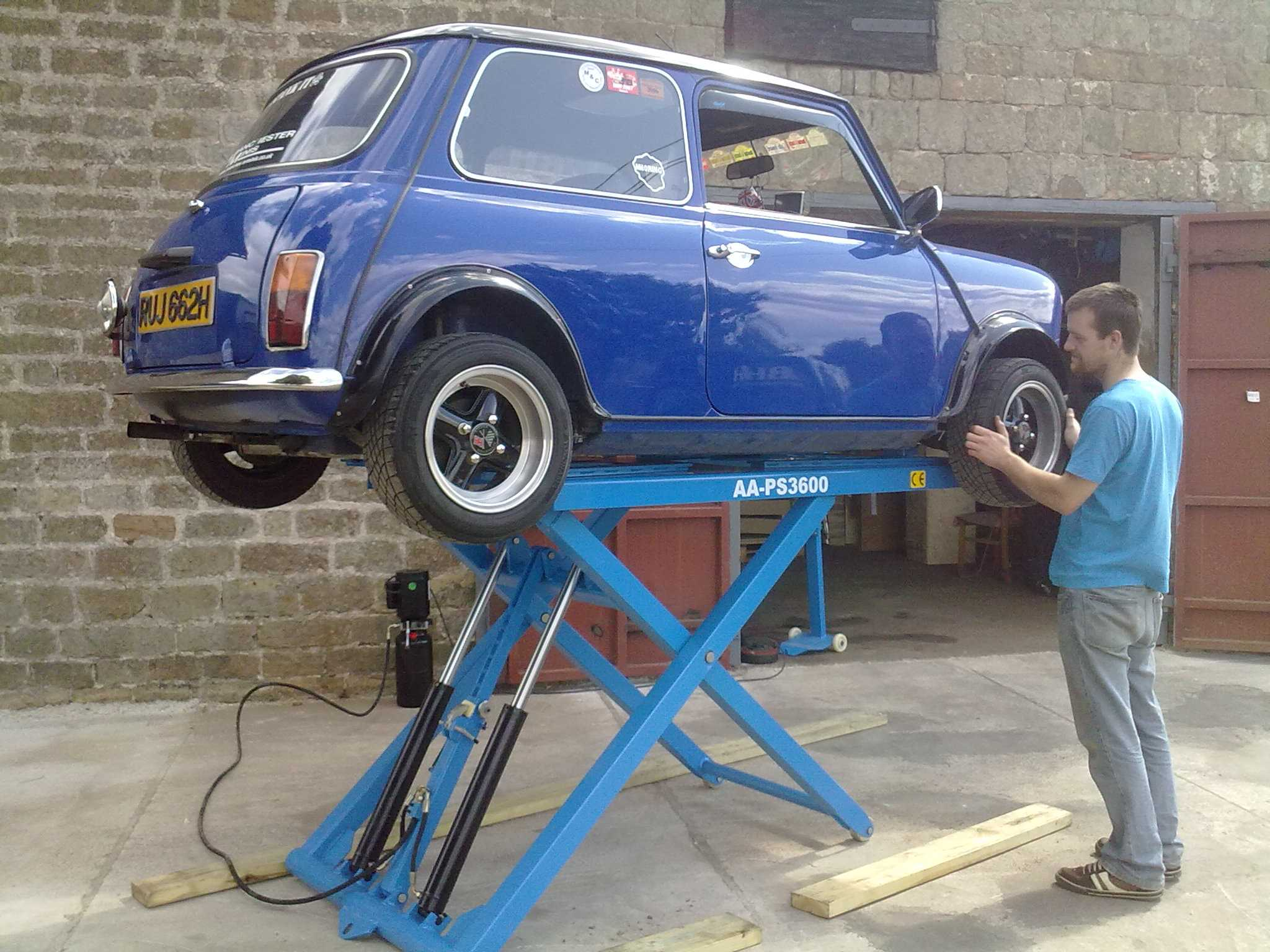 Image Gallery Mobile Car Lift Hire